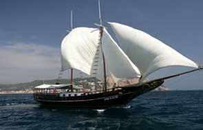 Barcos de pasaje de alquiler
