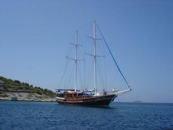 Kadena Luxury 12 pax - Blue cruise in Croatia