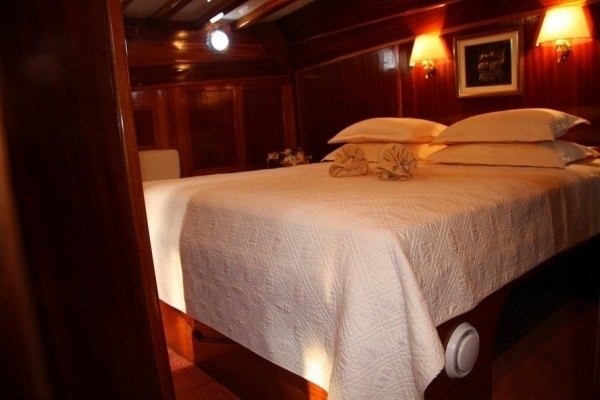 Kadena Luxury 12 pax - Gulet charter with crew