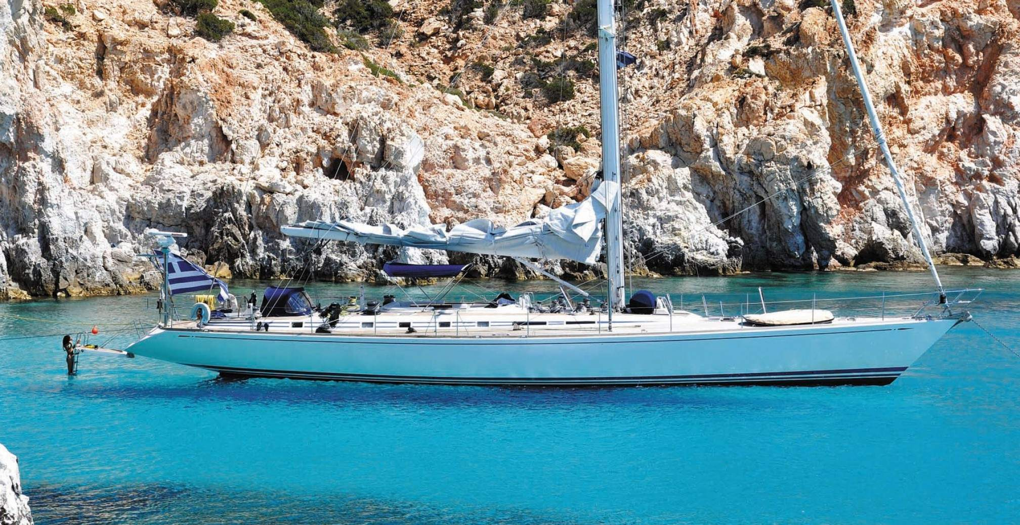 Callisto crewed sailboat charter in Athens