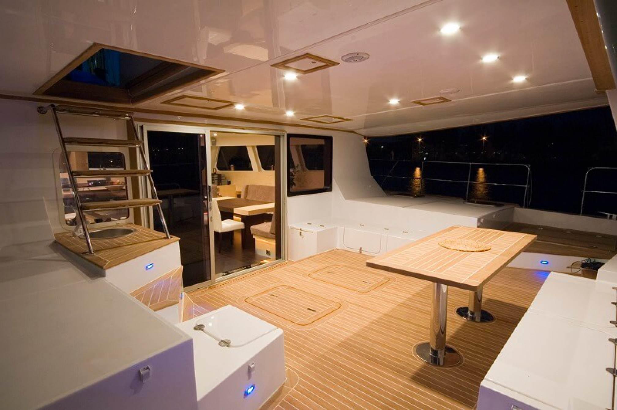 Depende IV luxury catamaran charter cockpit
