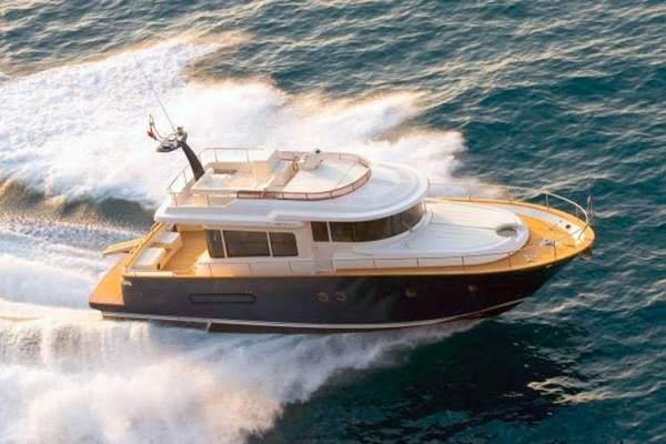 Apreamare Maestro 51 yacht hire, sailing