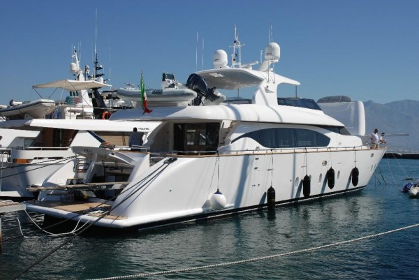 Nicka - Yacht Charter in Napoles