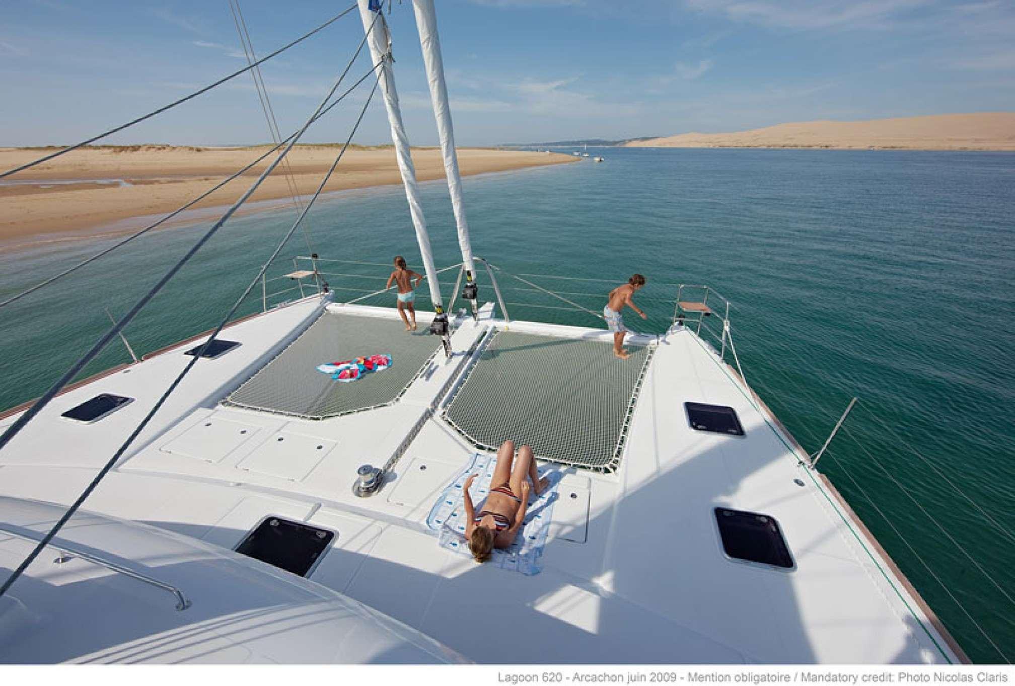 Lagoon 620 Lady Rachel, sailing