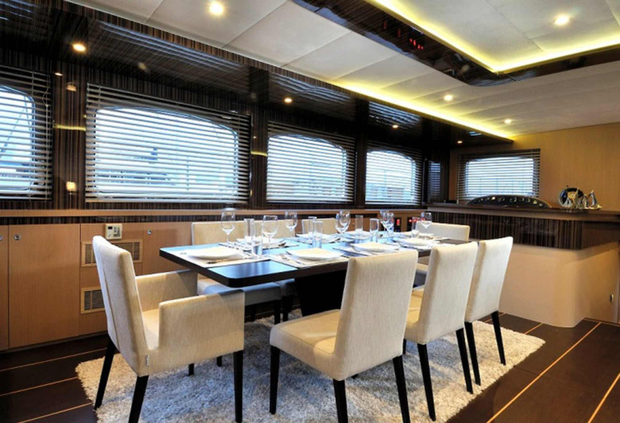 Le Pietre gulet charter, dining