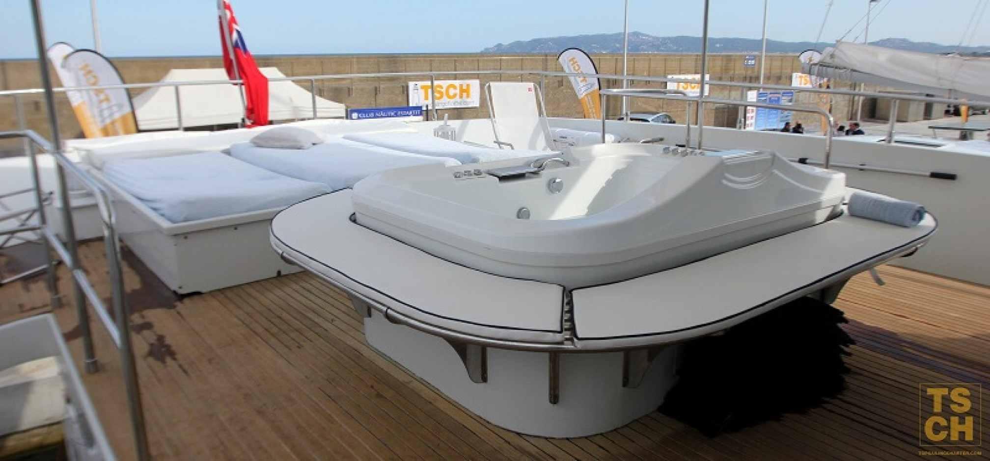 Emerald Shore motor yacht charter jacuzzi