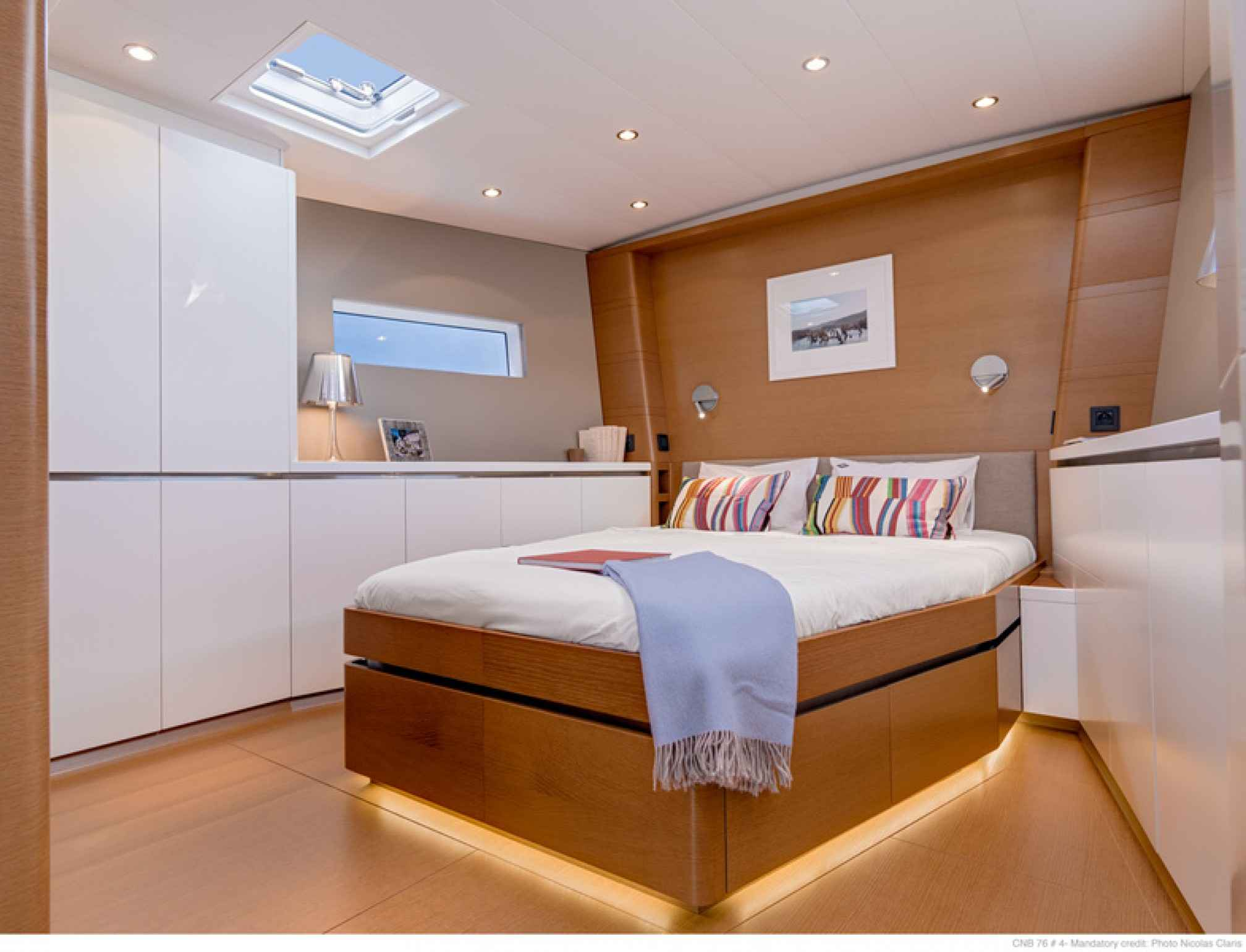 Leo Luxury Sailboat Cabin