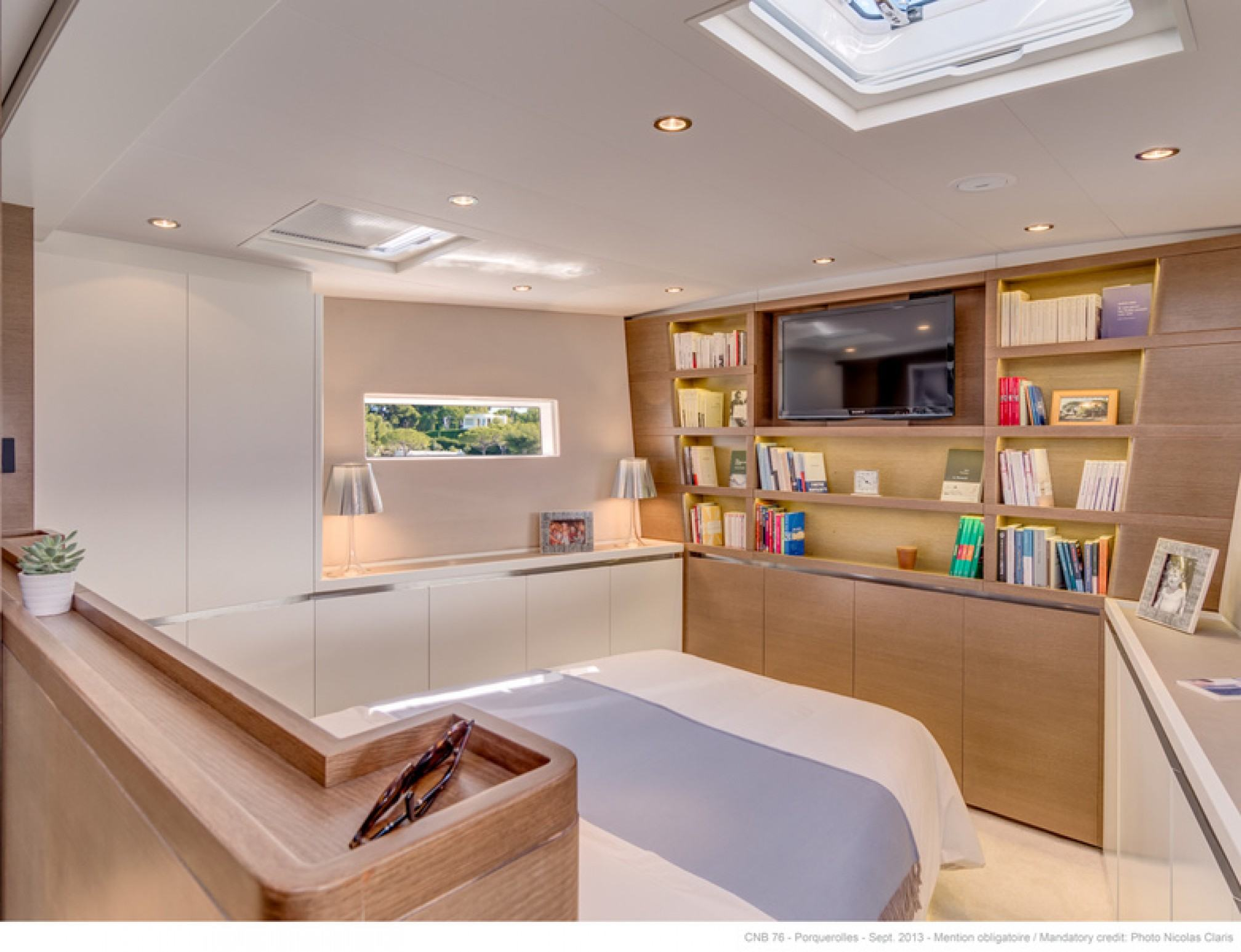 Leo Luxury Sailboat Master Cabin