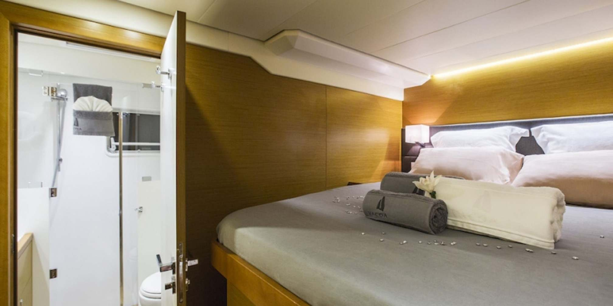 Vacoa Luxury Catamaran Bedroom