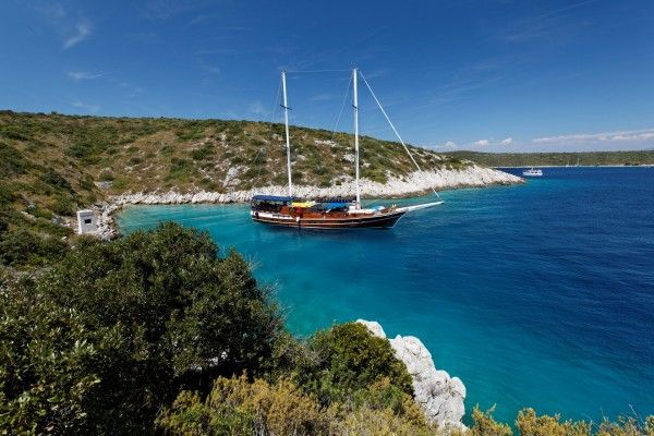 Perla Luxury 14 pax - Gulet charter with crew