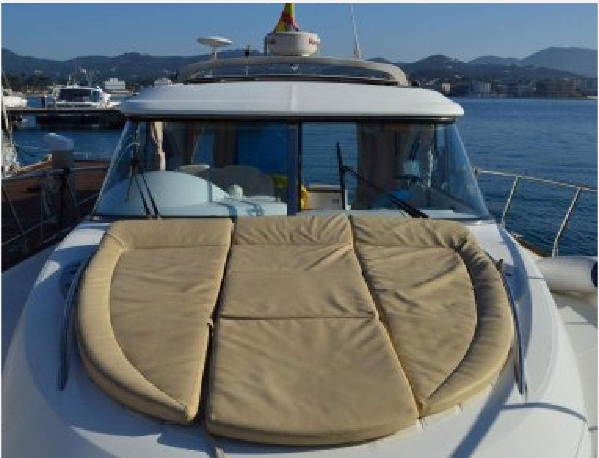 Beneteau Flyer 12 yacht charter 12 outdoors
