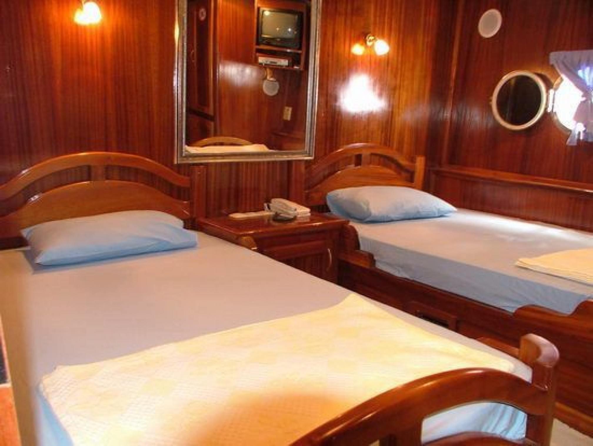 Akana luxury gulet charter twin cabin