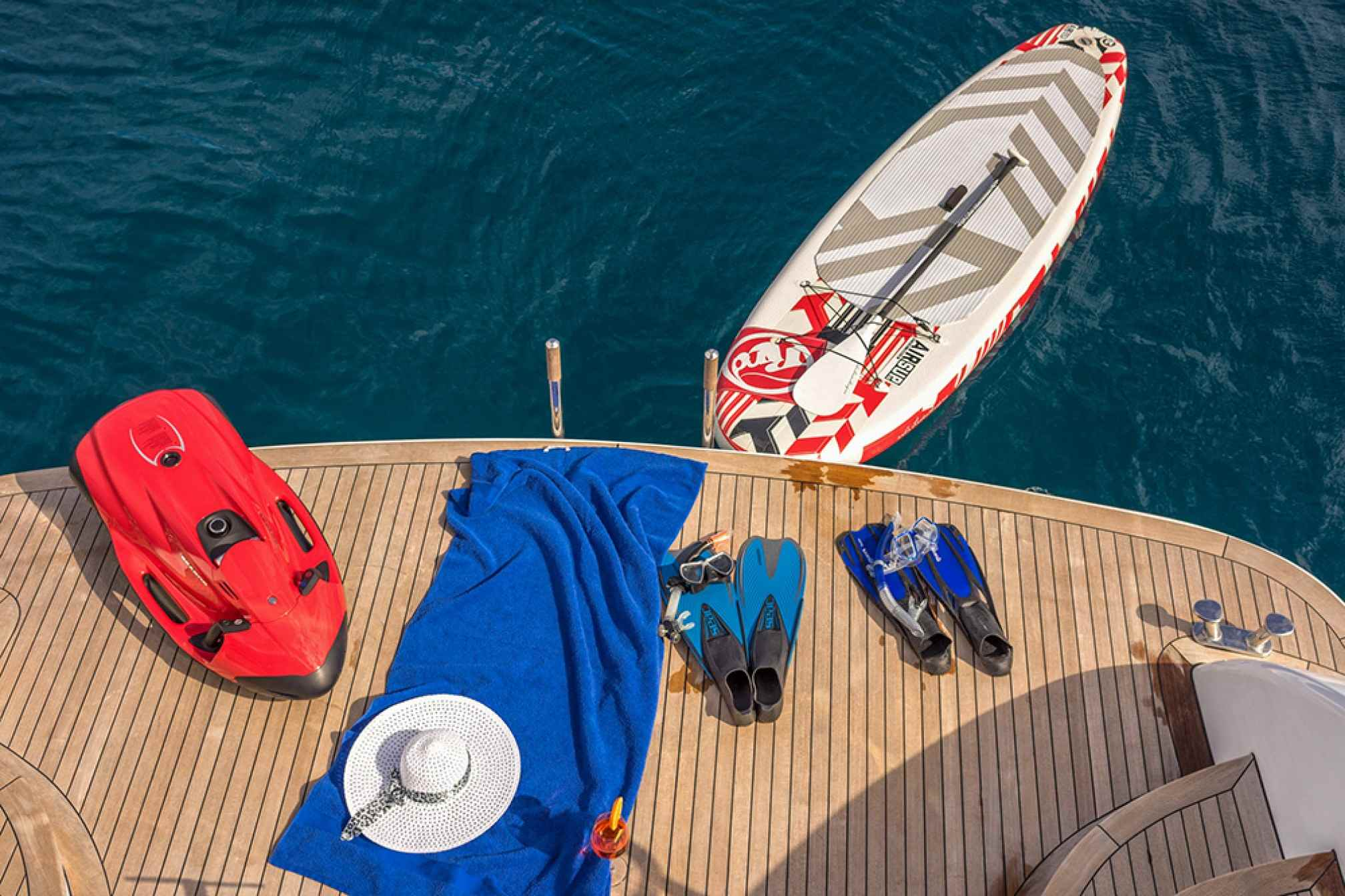 Maiora 20S HOPE I yacht charter water toys
