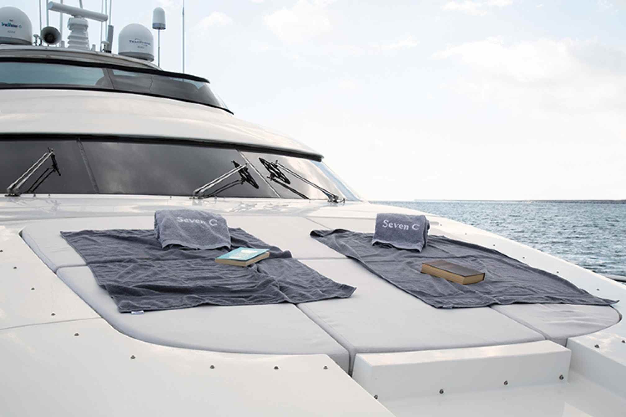 Maiora 28 ' SEVEN C' yacht charter foredeck
