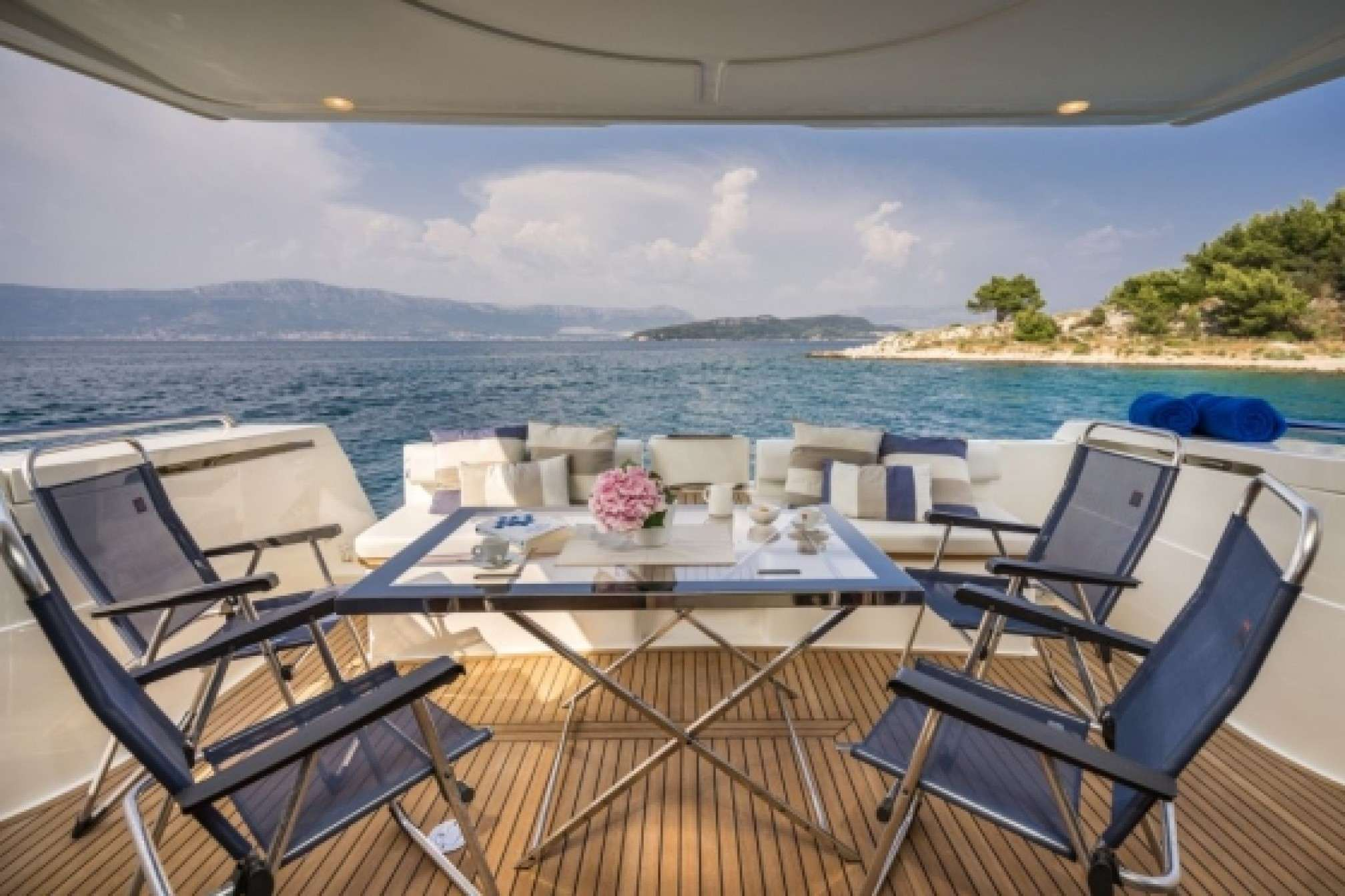 Ferretti 530 charter yacht outdoors
