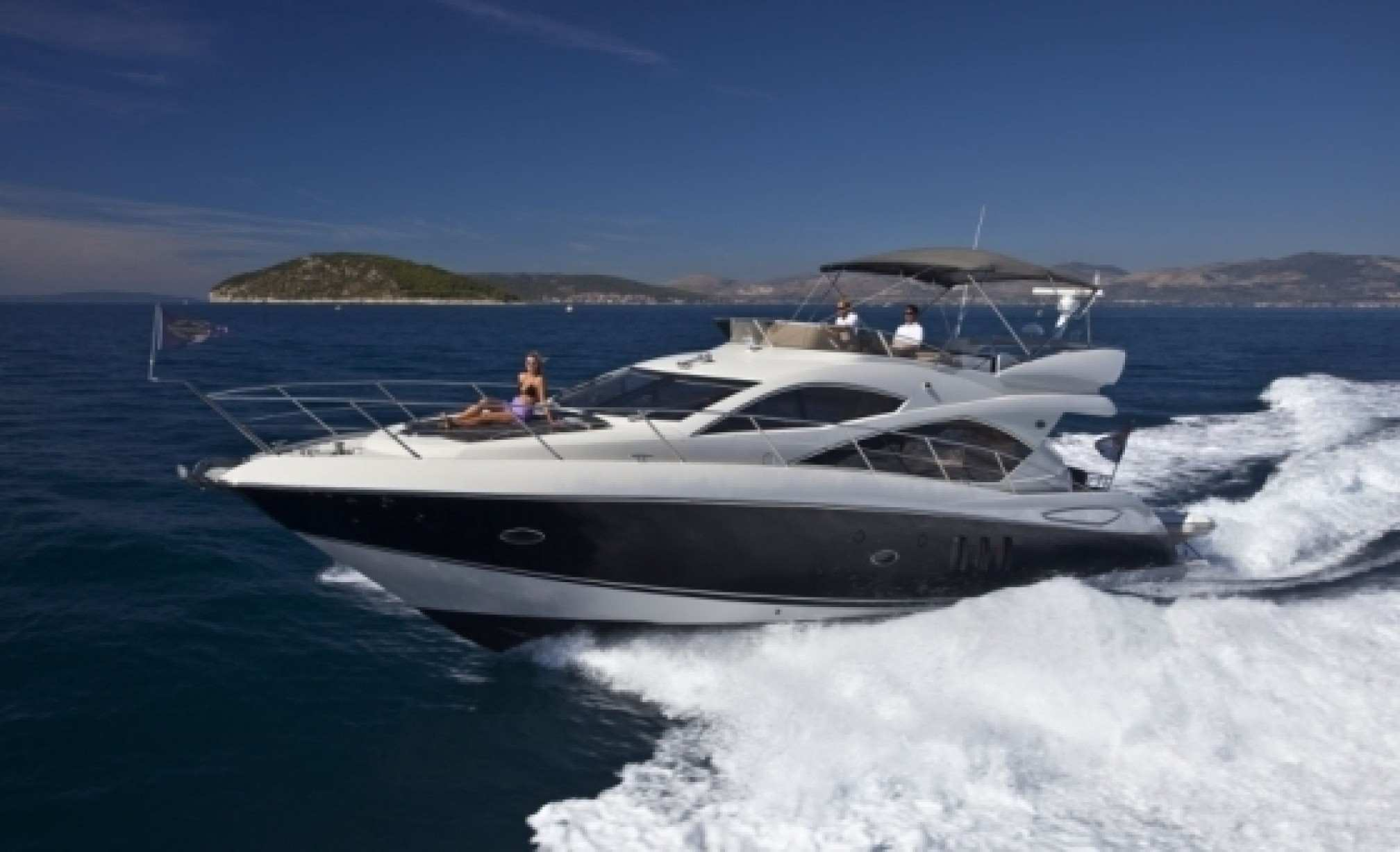 Sunseeker manhattan 52 charter yacht sailing