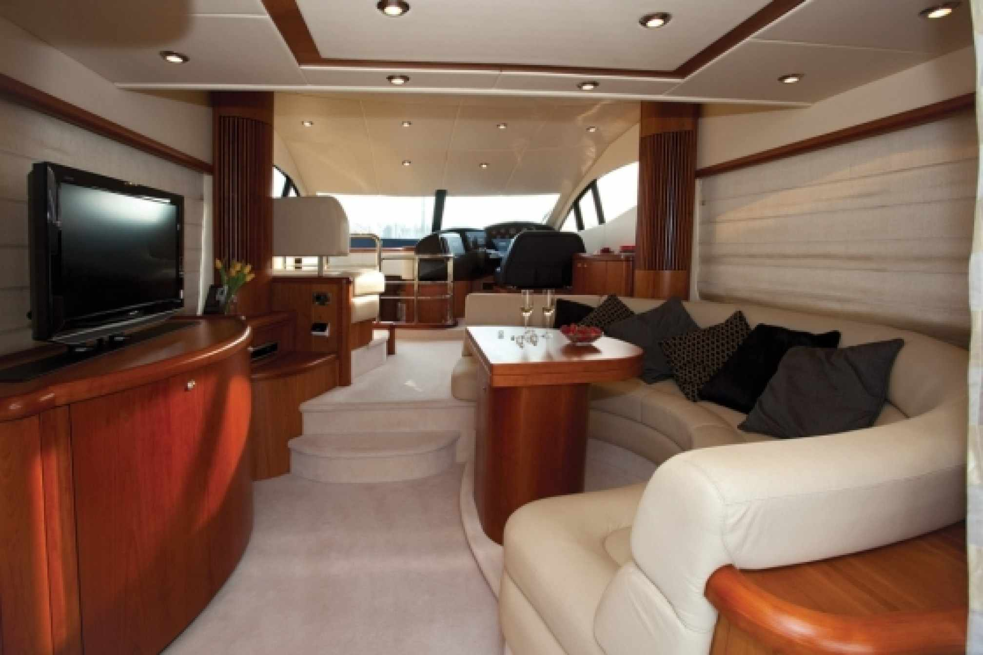 Sunseeker manhattan 52 charter yacht salon