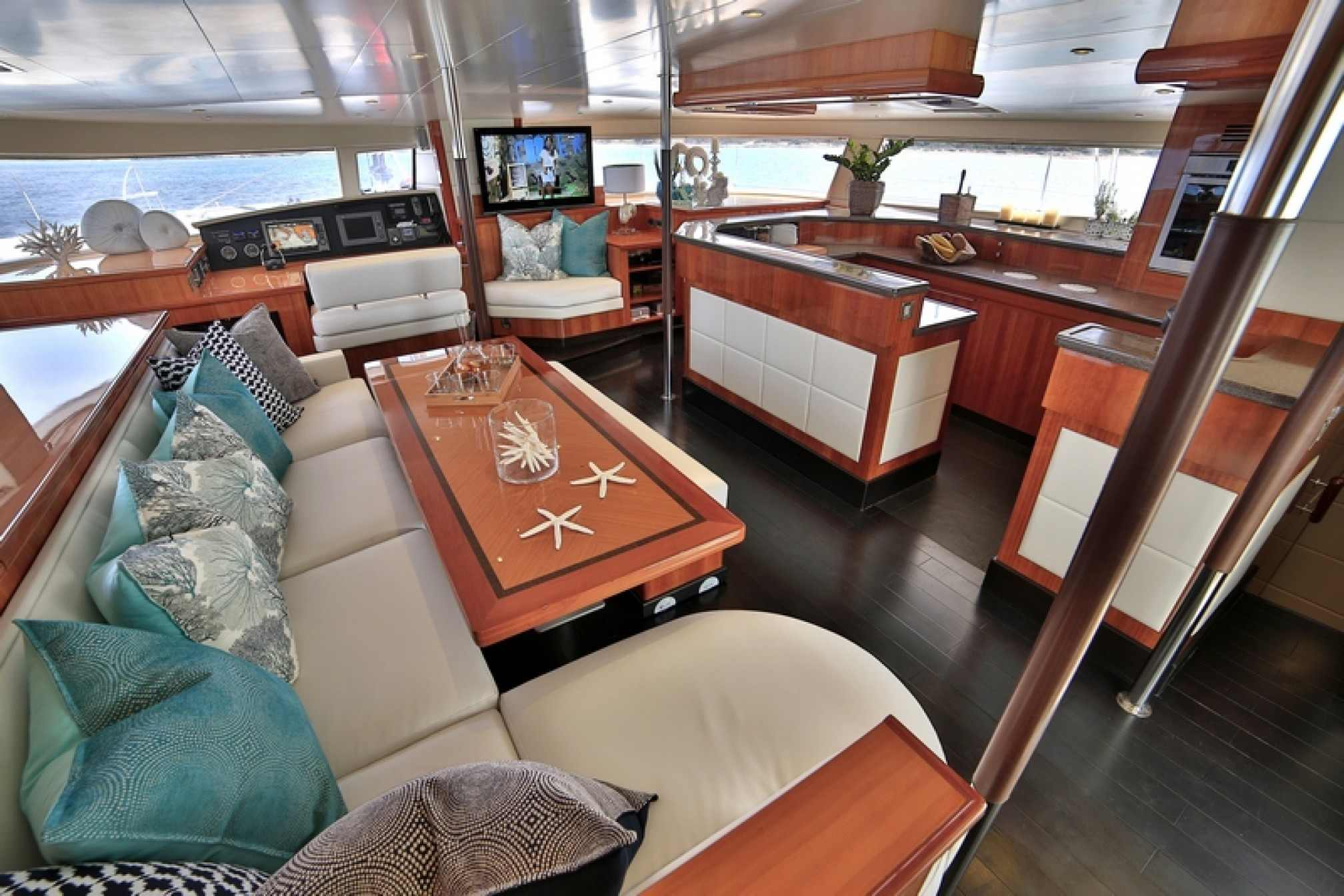 'World's End' catamaran charter salon