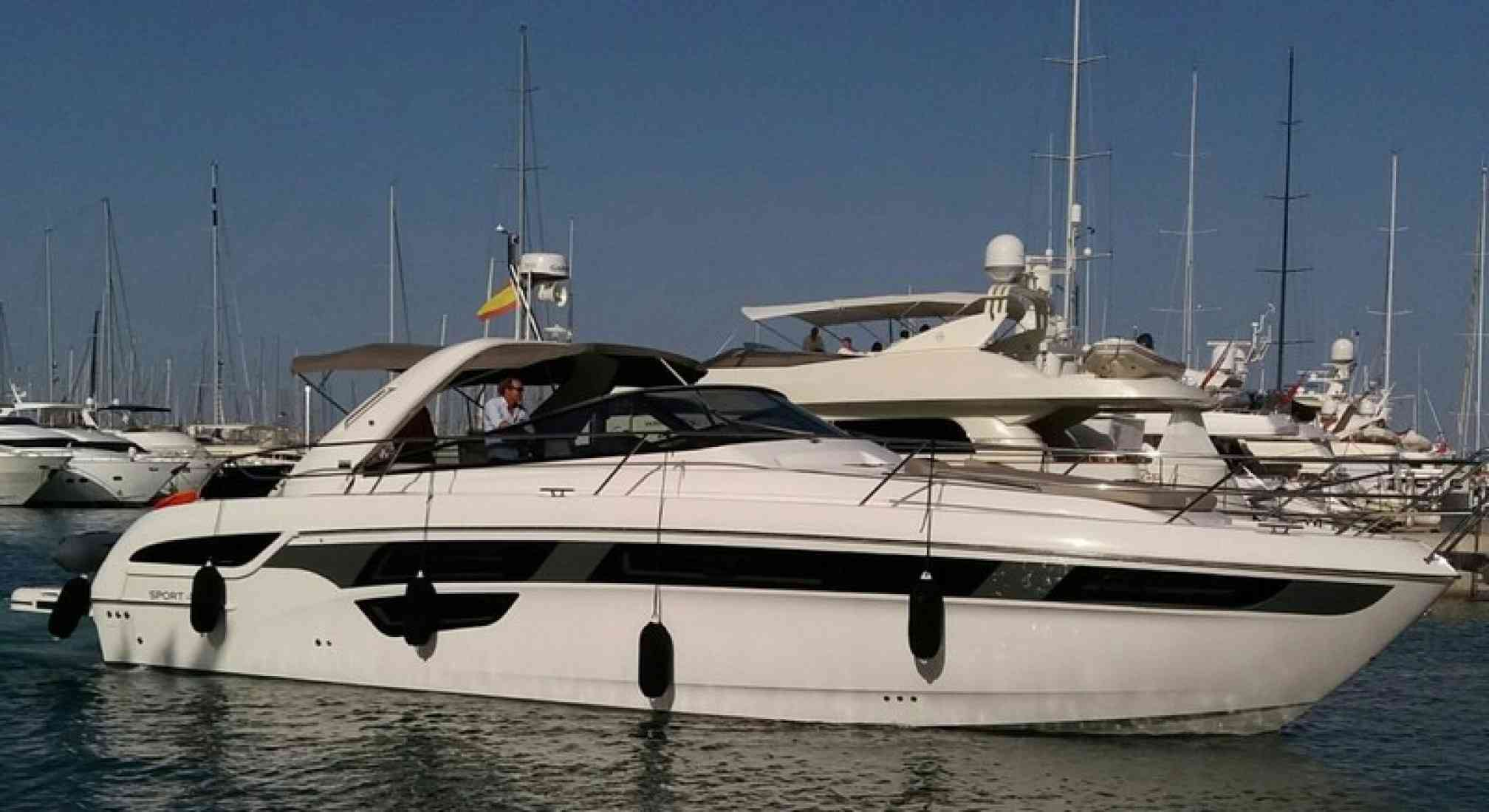 Bavaria 450 yacht charter anchored