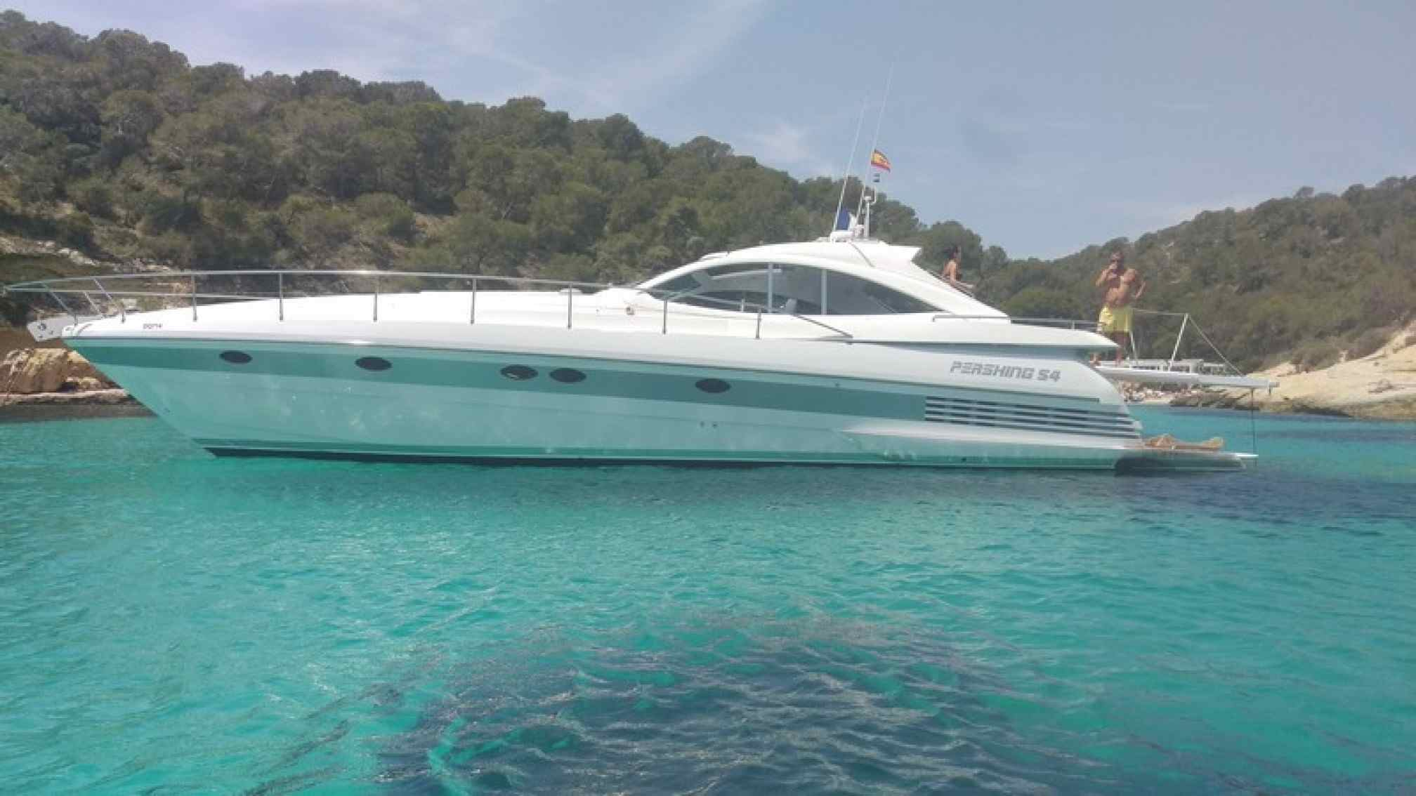 Pershing 54 charter yacht anchored