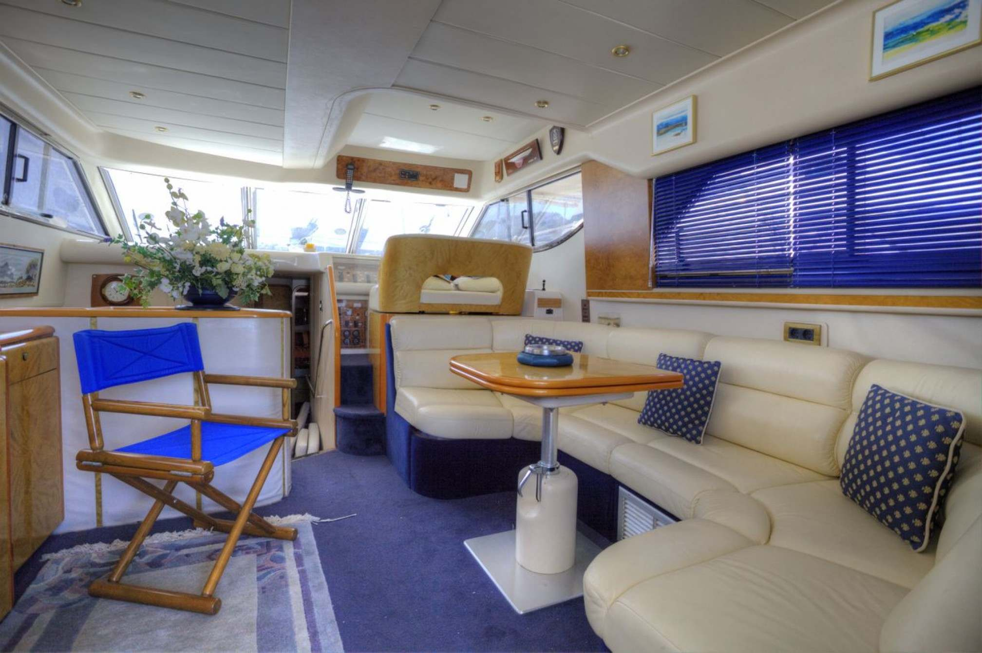 Princess 480 yacht charter salon