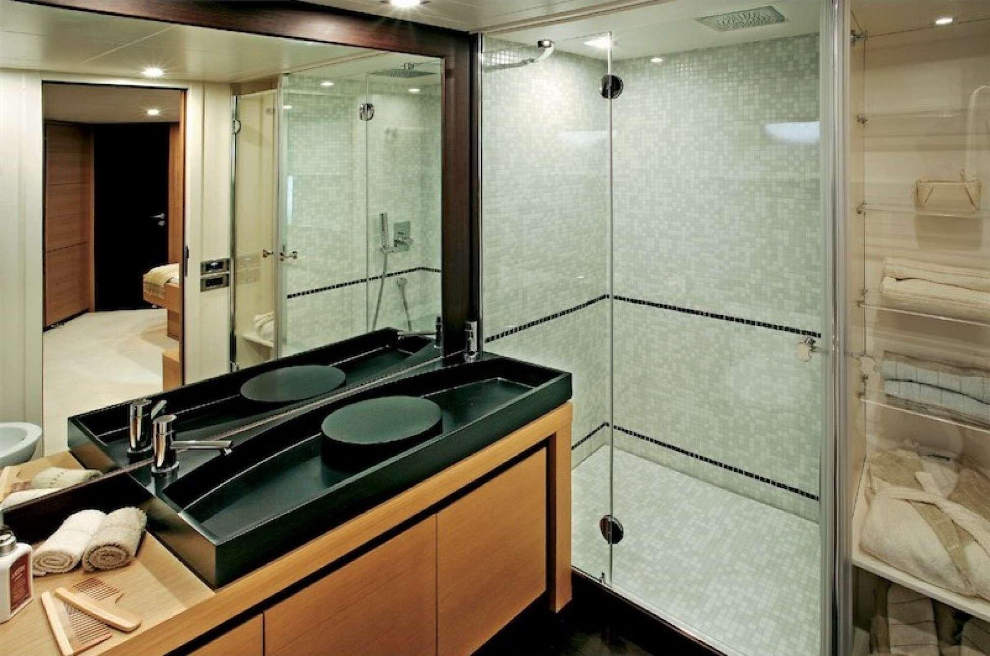 Pershing 72 yacht charter sailing bath