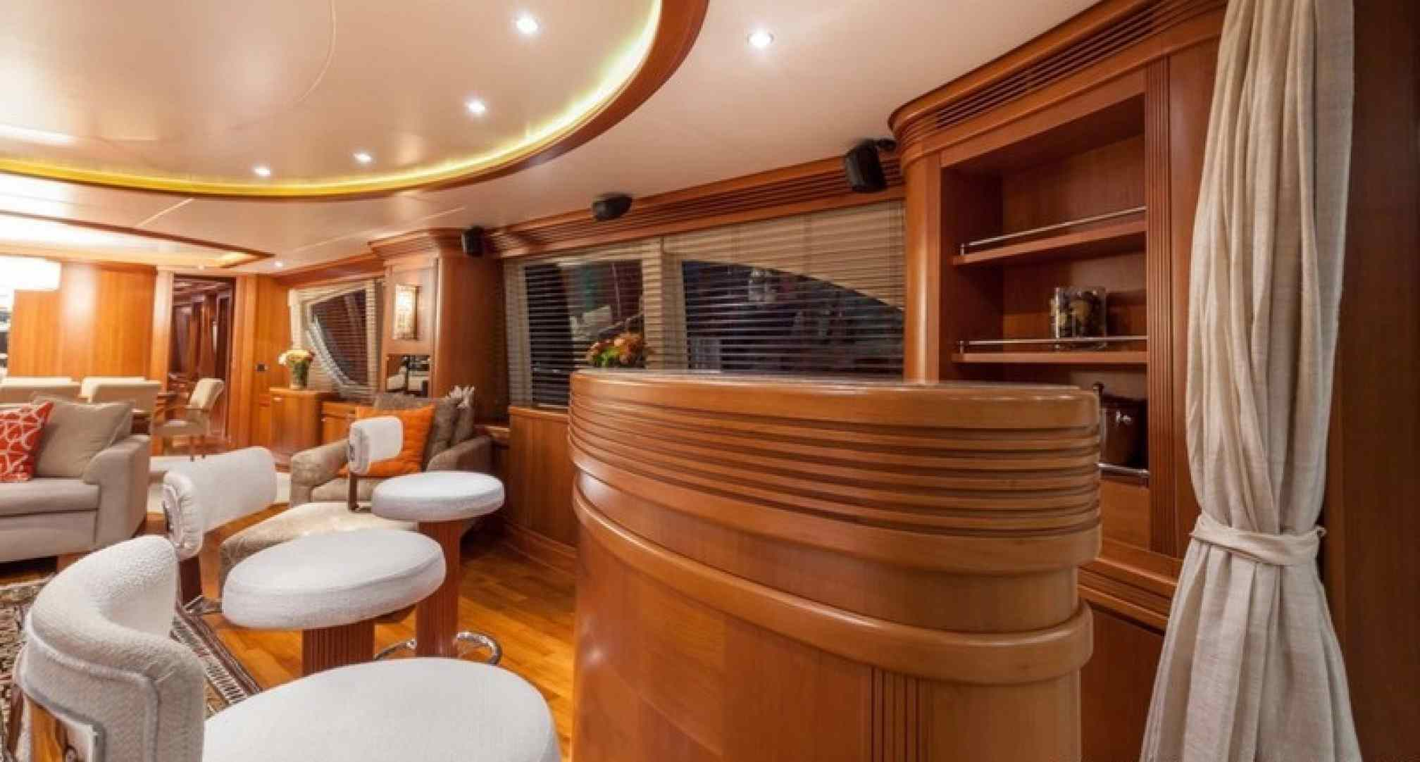 Happy Hour yacht charter salon