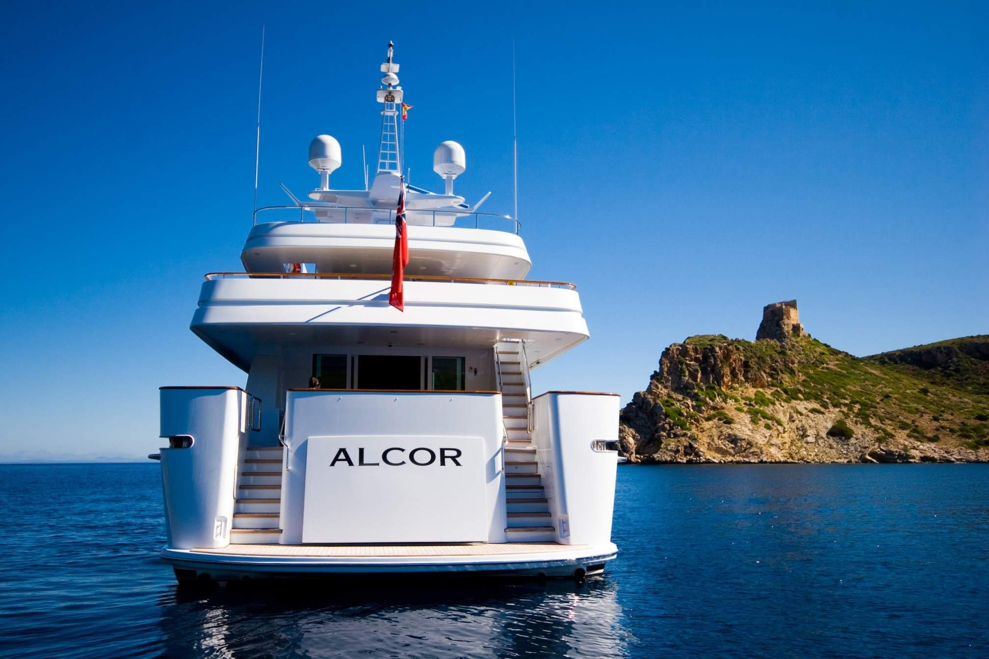 ALCOR yacht charter anchored