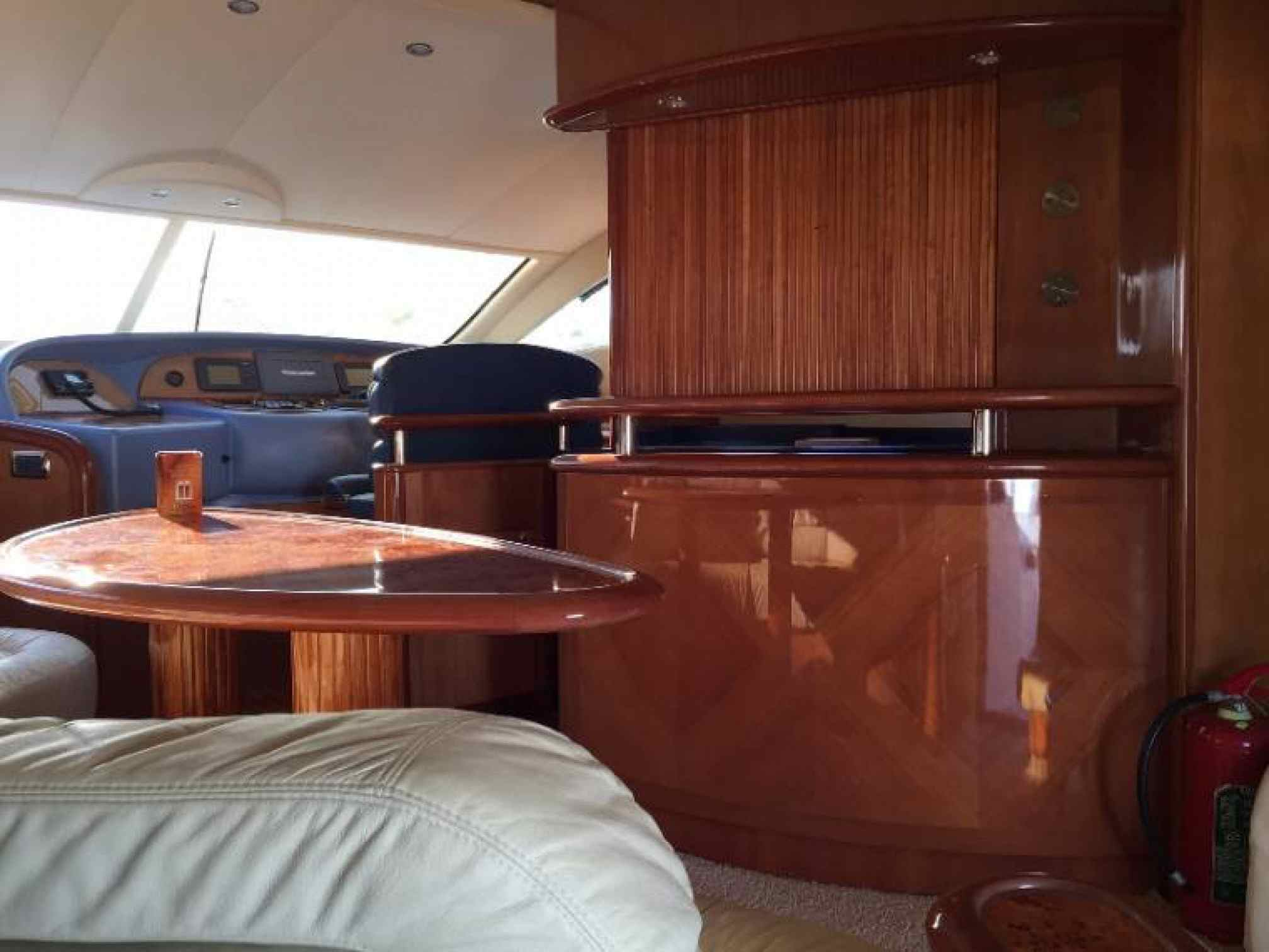Aicon 56 Fly yacht charter salon