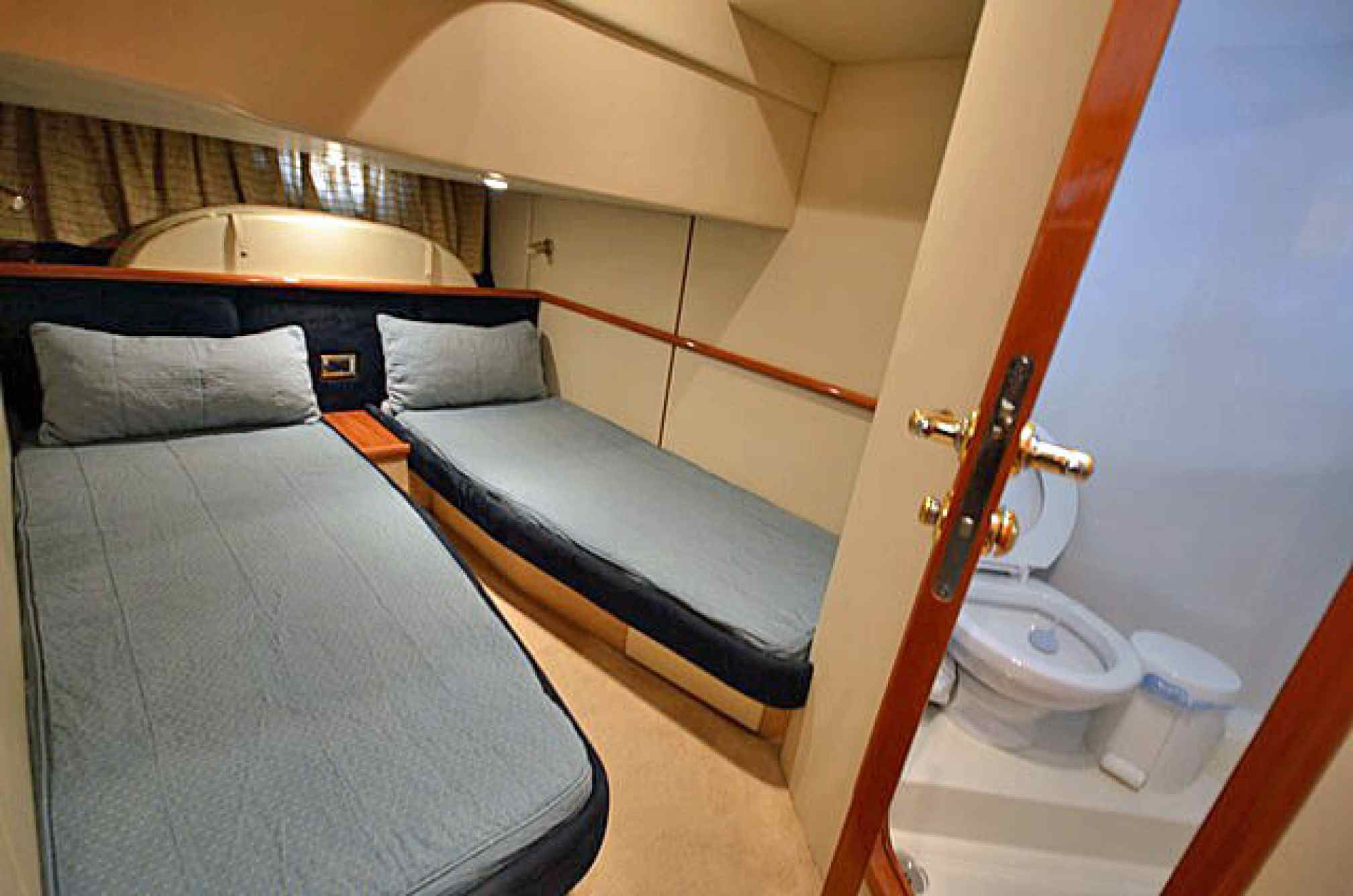 Sunseeker Camargue 44 yacht charter cabin