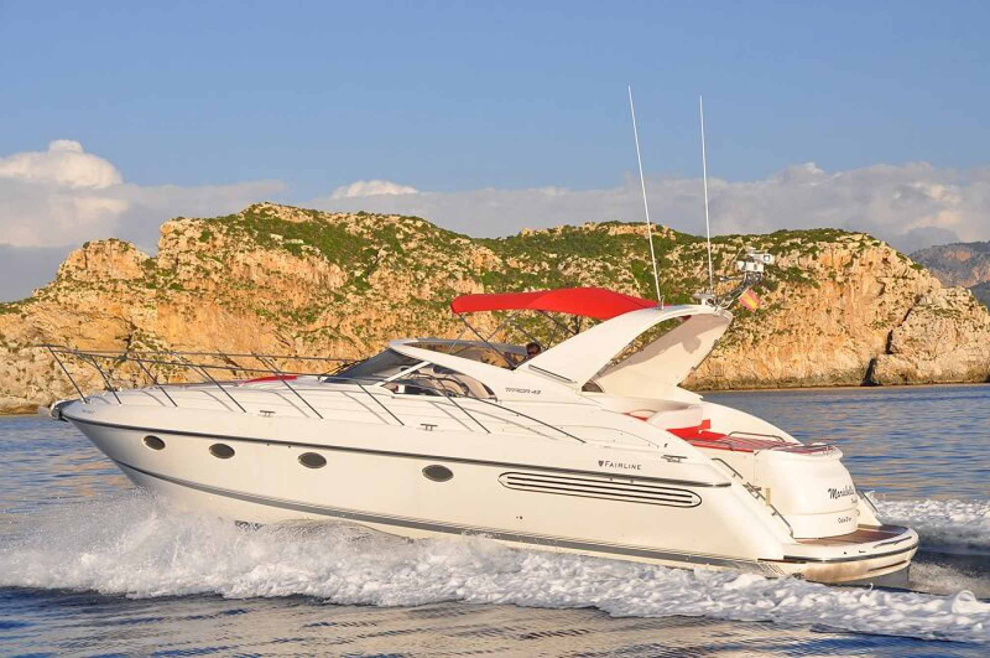 Fairline Targa 43 yacht charter sailing