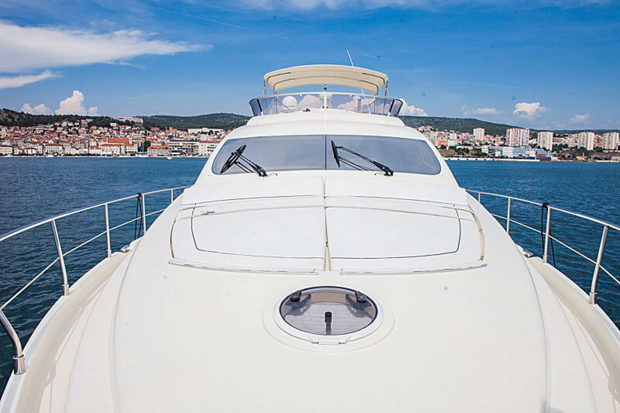 Aicon 56 Fly yacht charter deck