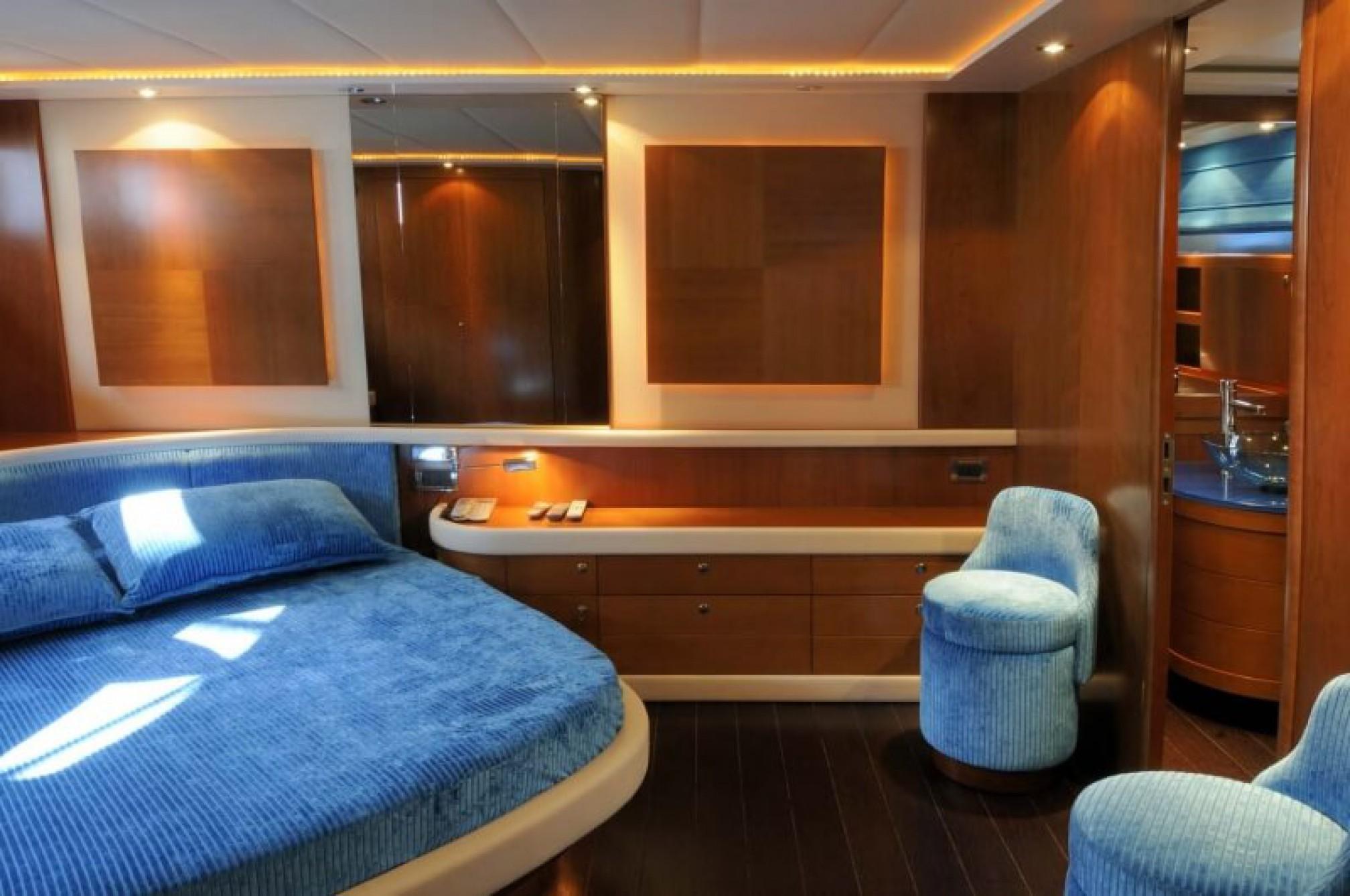 Alfamarine 78 yacht charter master cabin