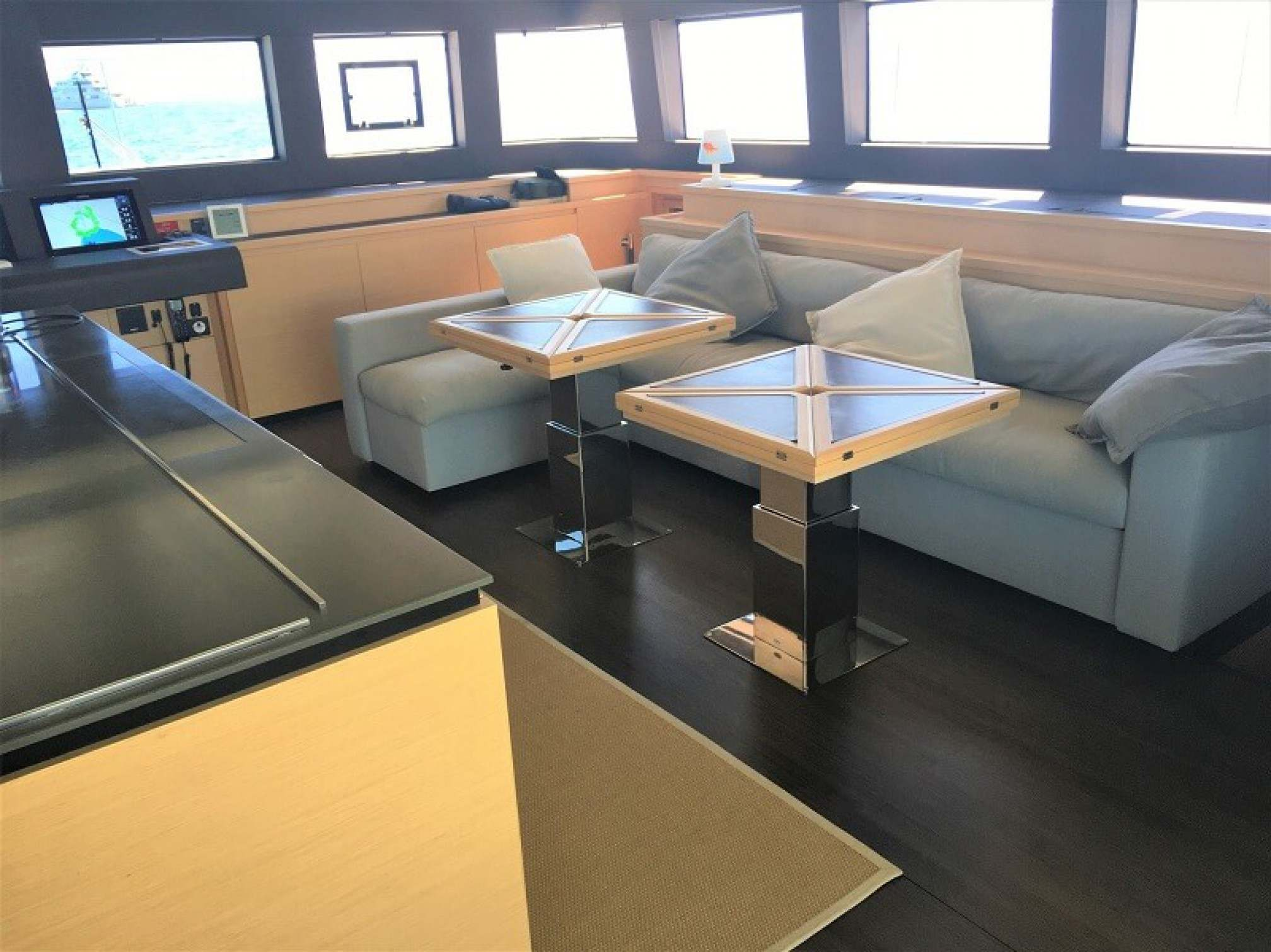 Oryx catamaran charter salon