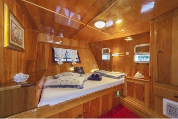 Linda Luxury 14 pax - Gulet charter with crew