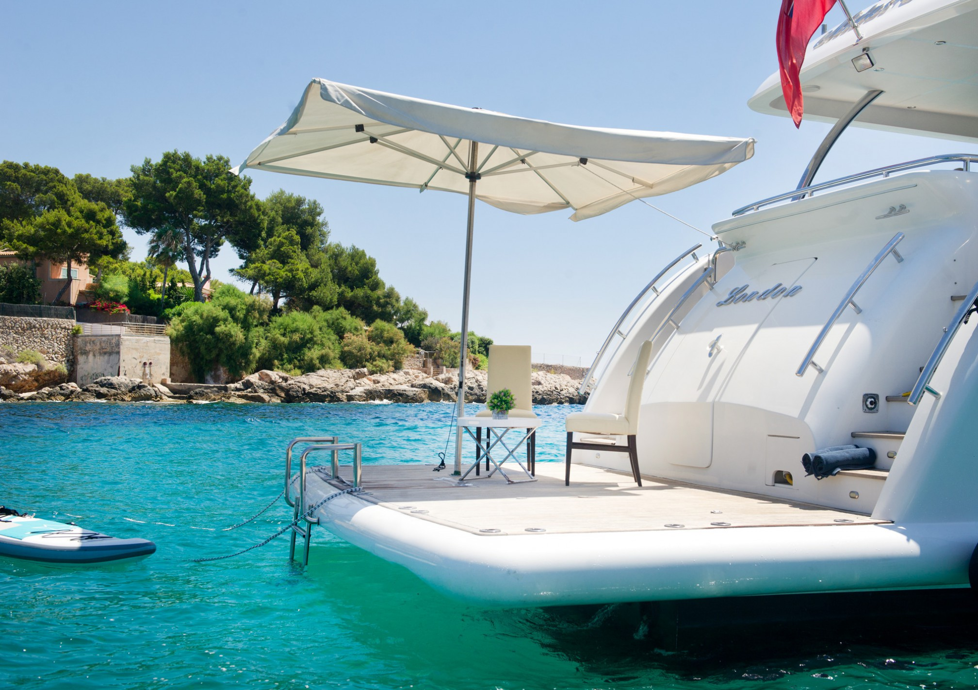 Rental yacht Midas Touch 8 pax outdoors