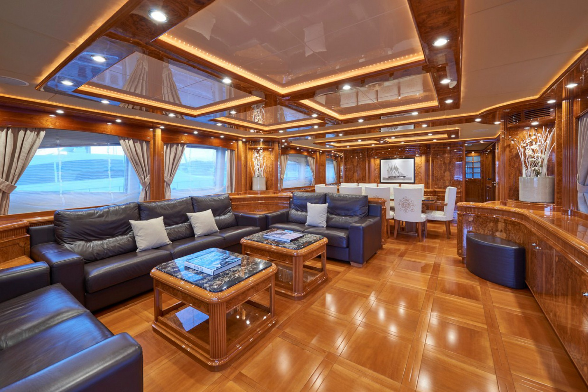 Rental yacht Kirios salon