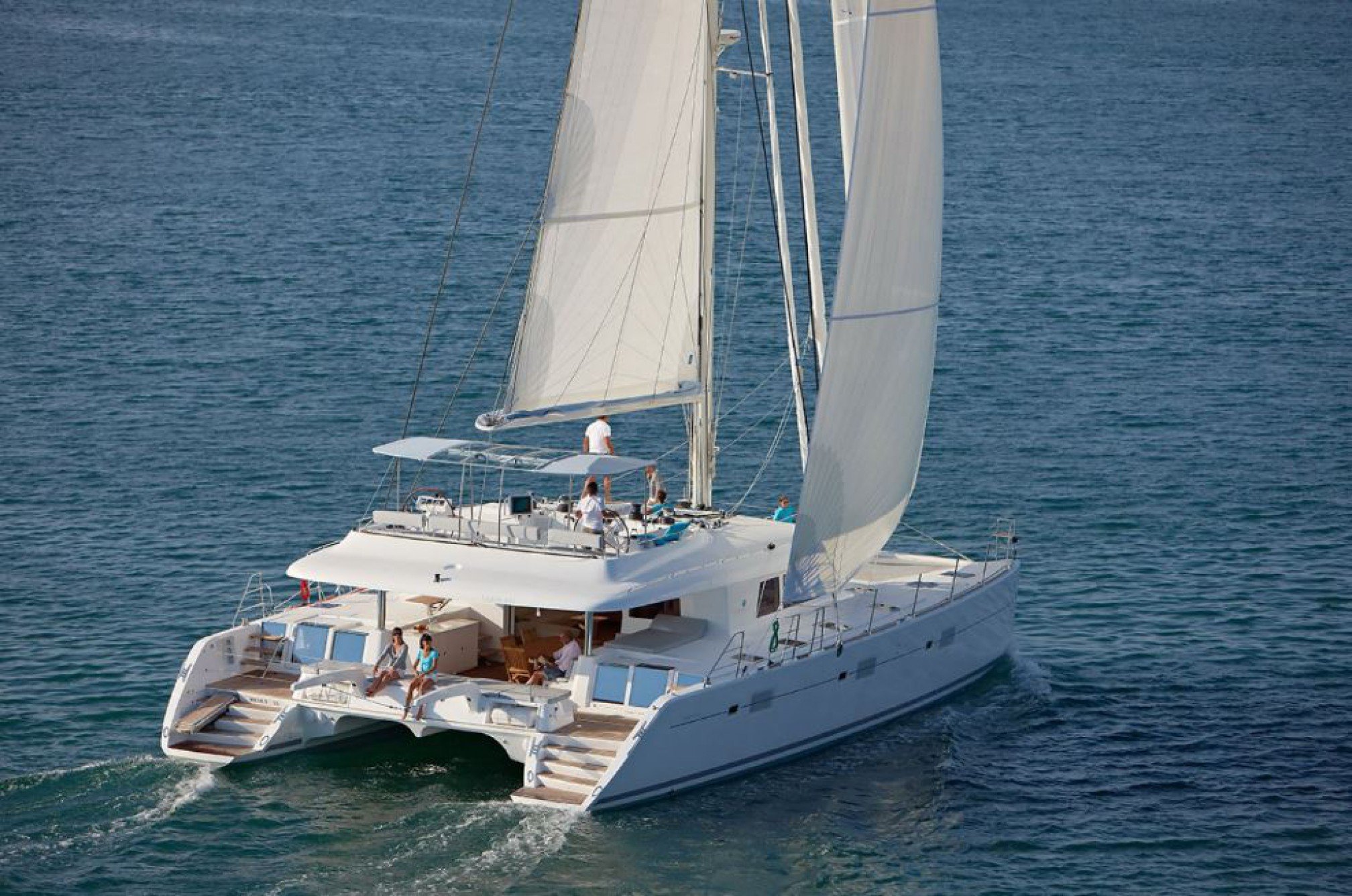 Rental catamaran Lagoon 620 sailing