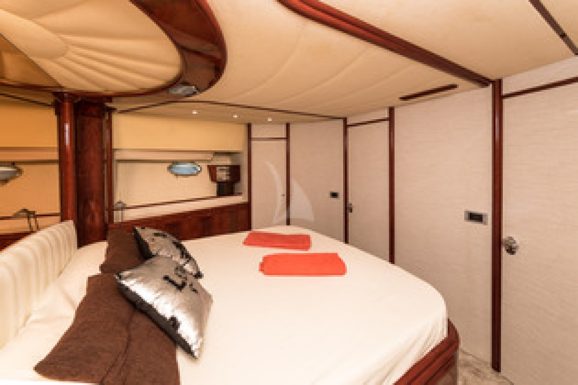 Rental yacht CAP TIME cabin