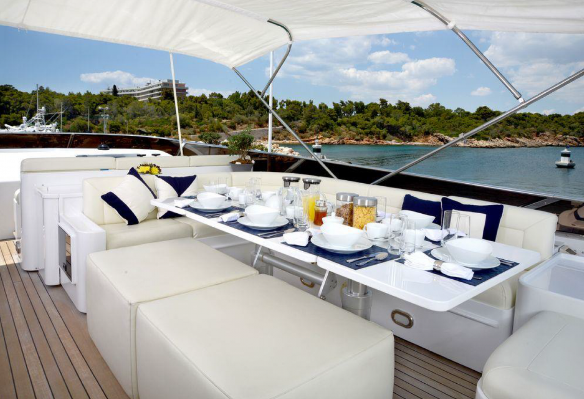 Rental yacht Zoi outdoors