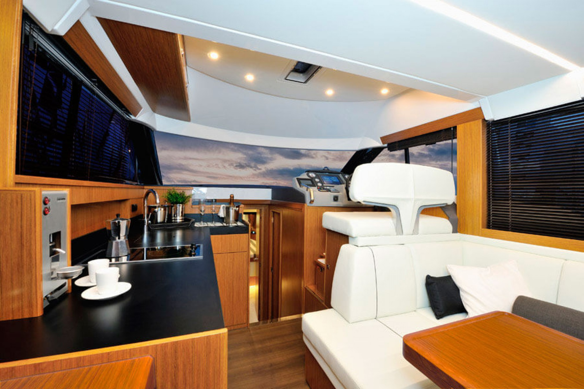 Rental yacht Bavaria salon