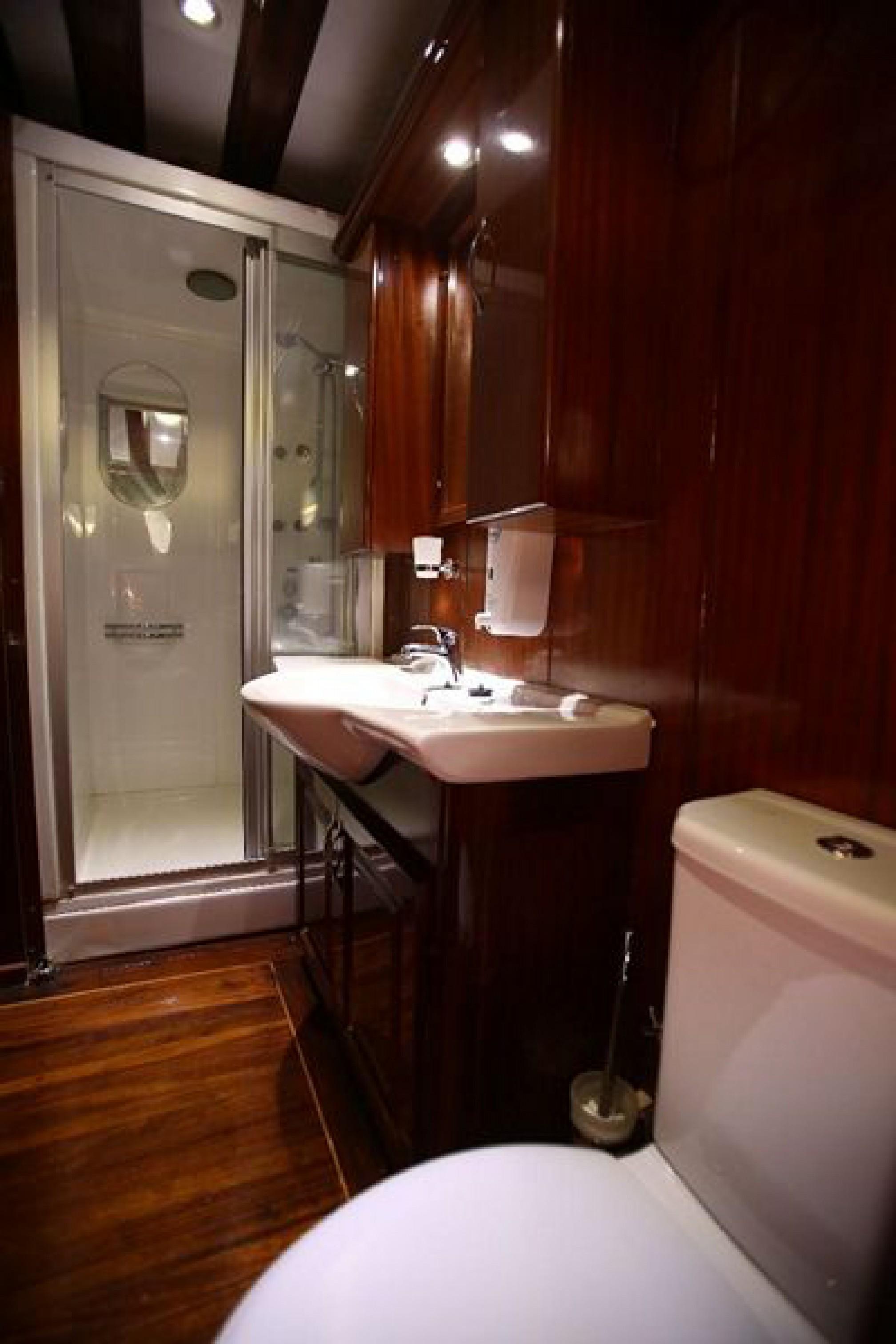 Rental gulet SEMERCIOGLU bath