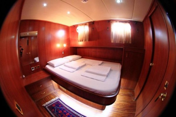 Cabin Ilknur Sultan hire a gulet in Turkey