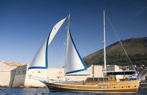 Andjeo 10 Pax - Gulet charter with crew