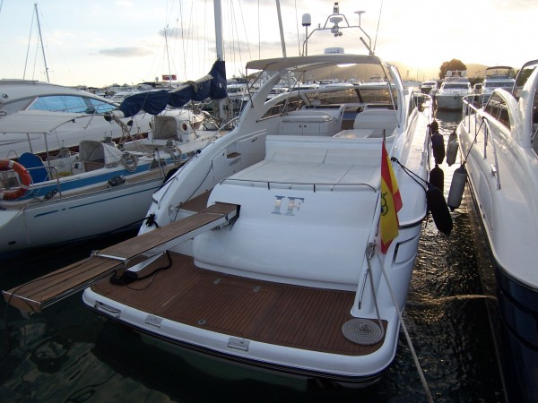 Princess V55 - Rent a yacht in Spain