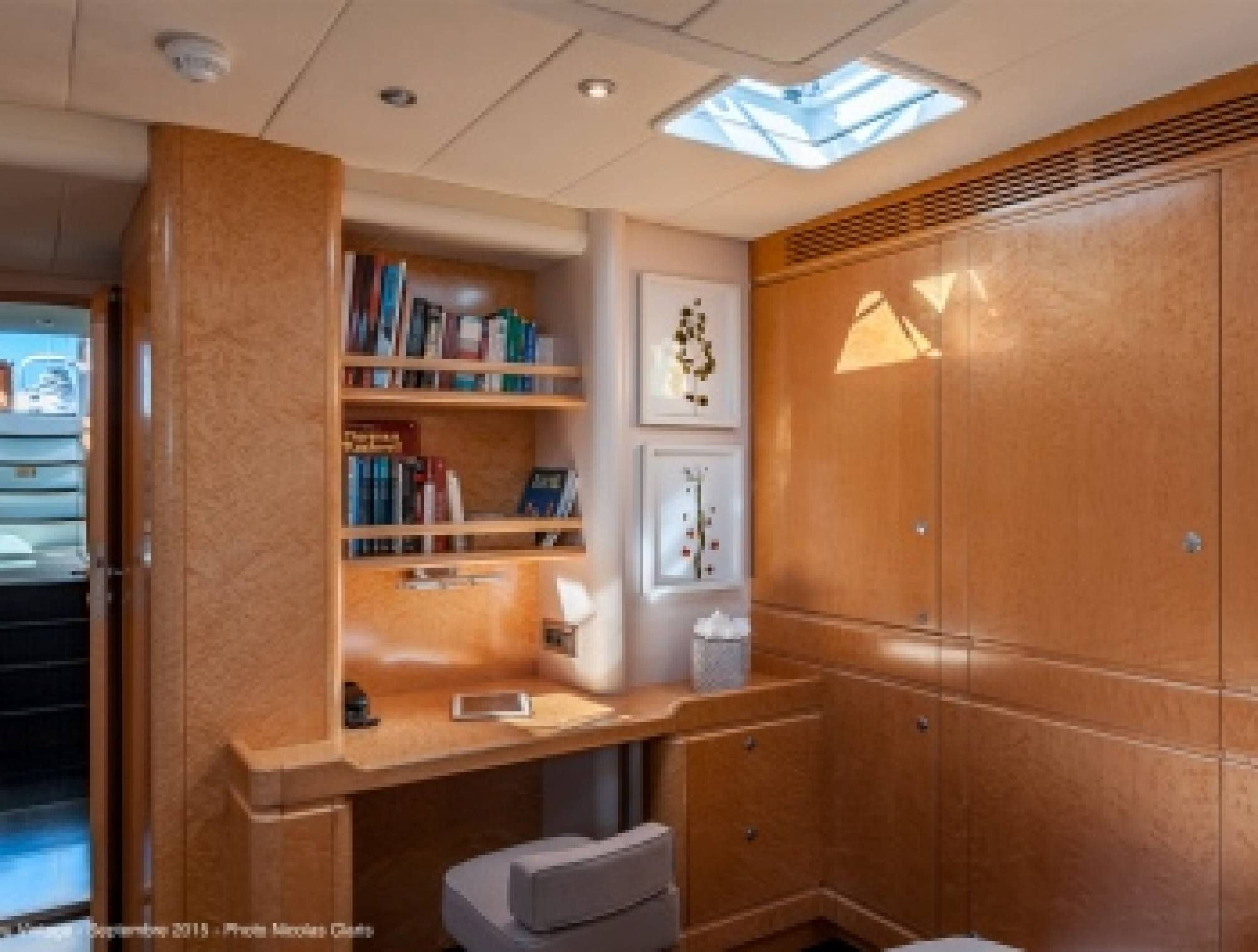 Grand Bleu Vintage luxury sailboat master cabin