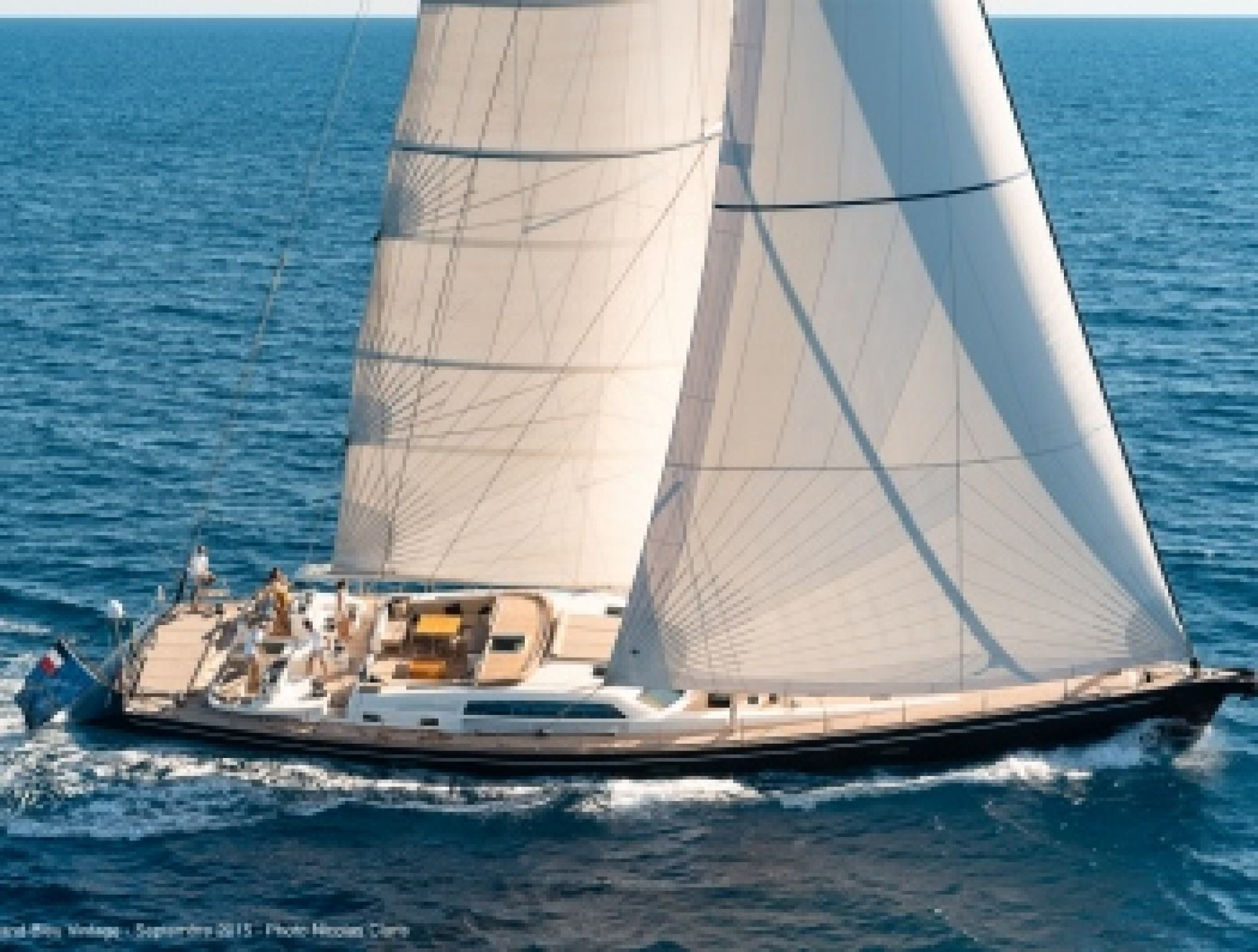 Grand Bleu Vintage luxury sailboat sailing