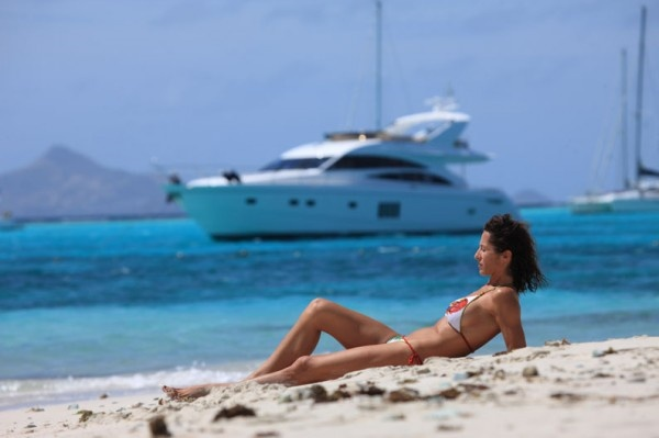 SORANA - Princess 67 - motorboat charter with skipper