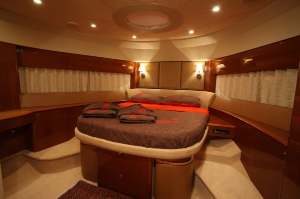 SORANA - Princess 67 - Motorboat holidays