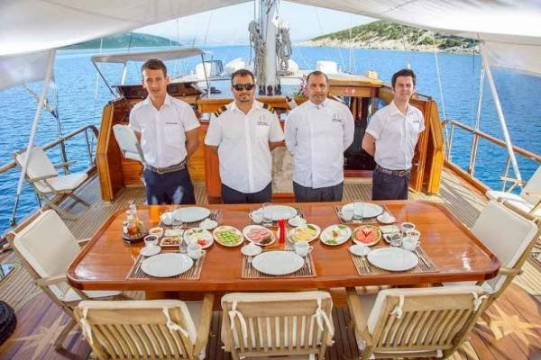 Dea Delmare hire a gulet in Turkey